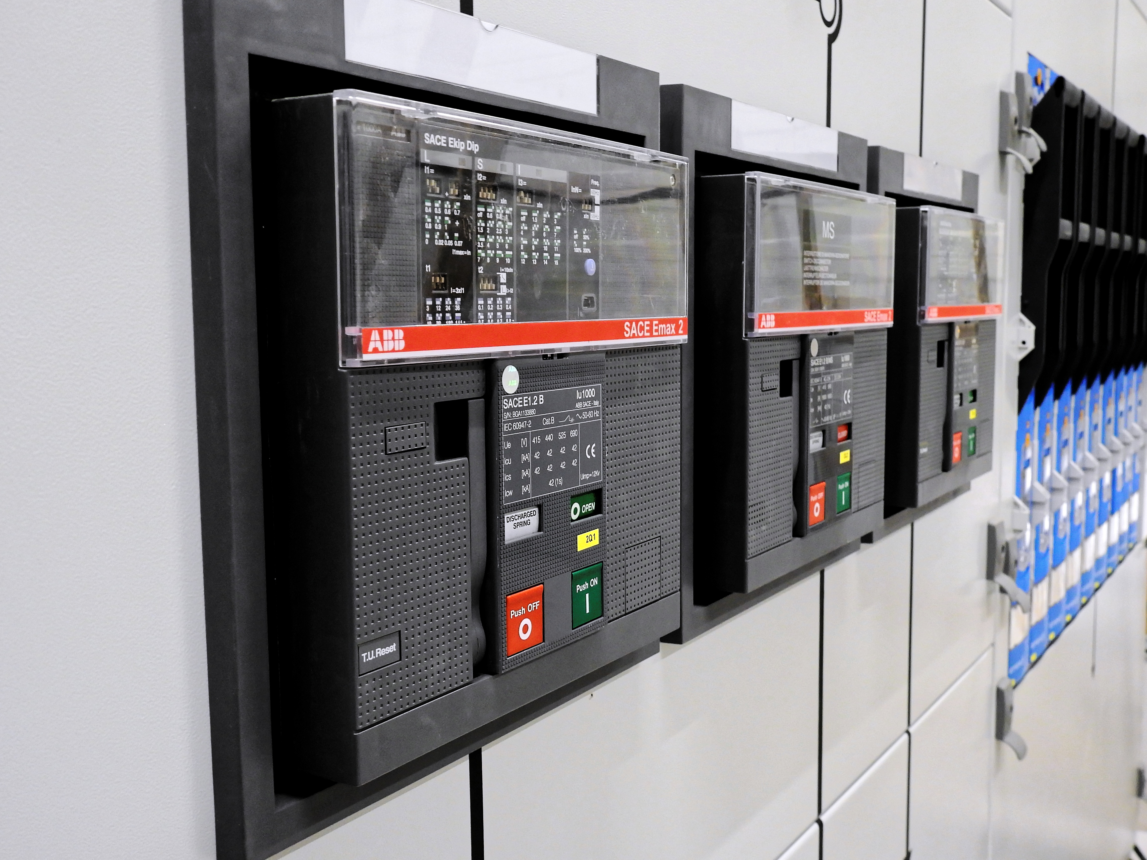switchgear-2069730